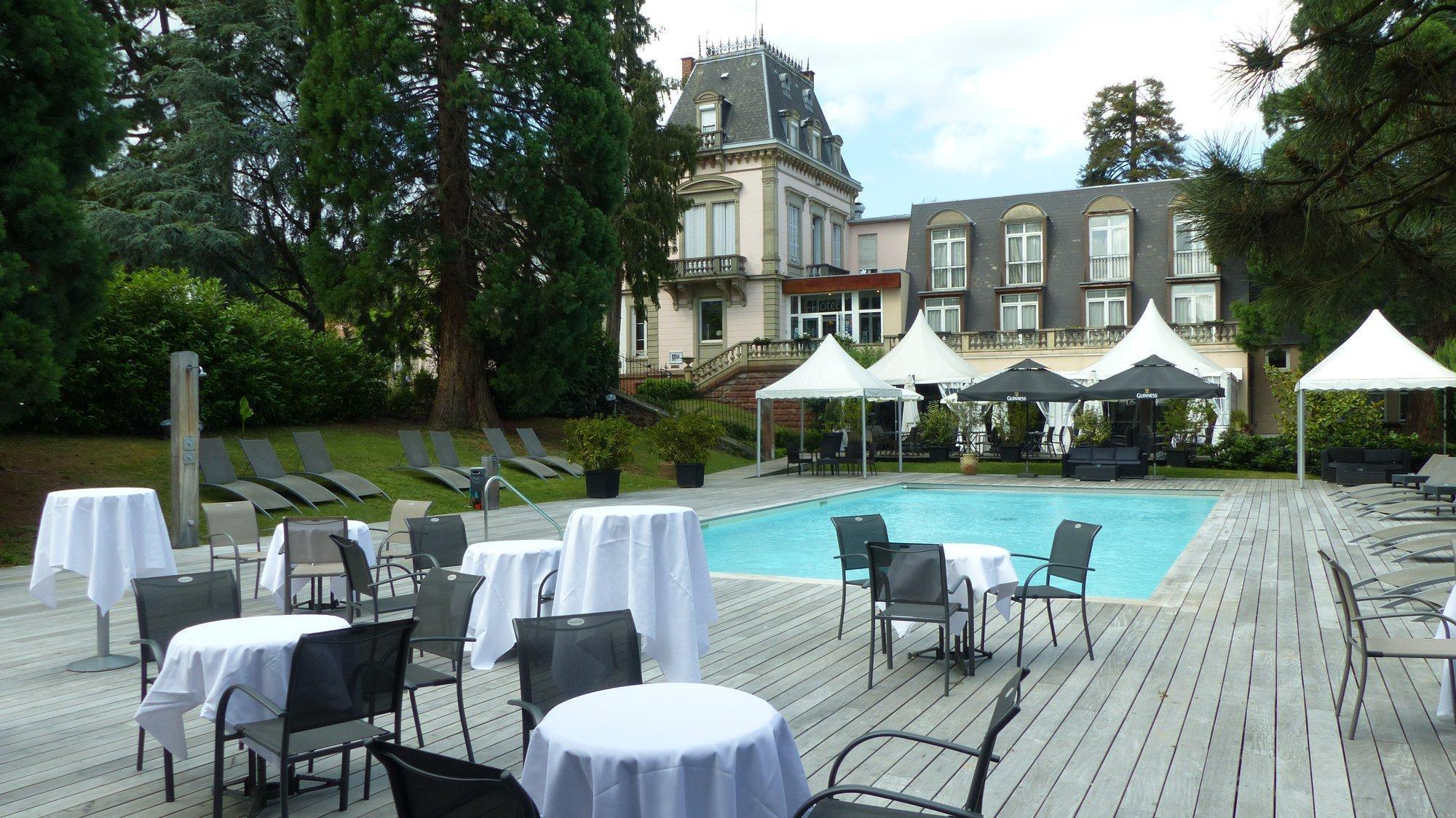 Le H   Hotel & Restaurant