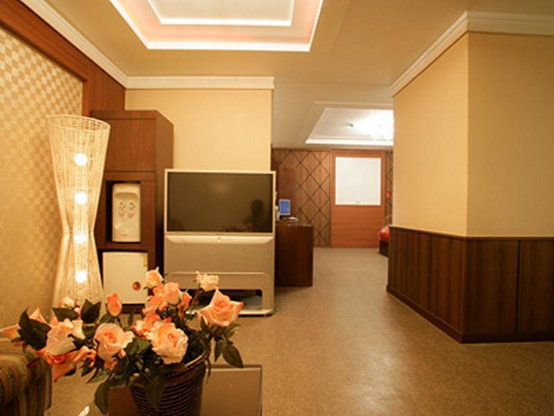 Hotel No.1 4