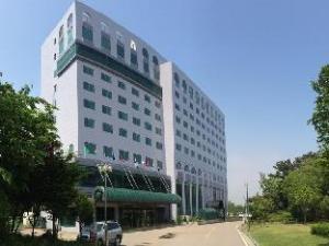 Hotel Grand Pyeongtaek Lake