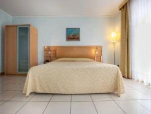 Om Marina Palace Hotel Spa & Congres Hall (Marina Palace Hotel Spa & Congres Hall)