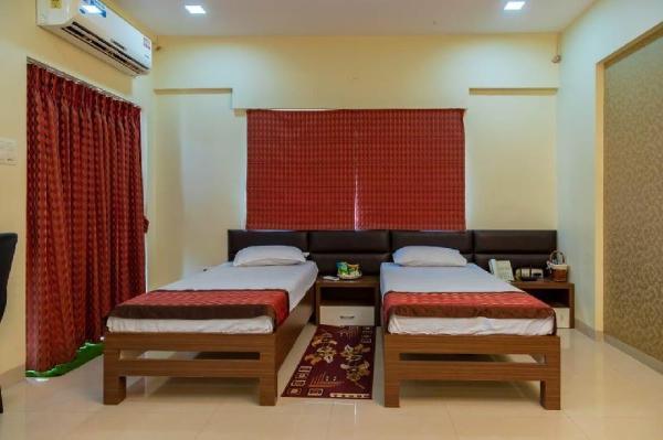 Studio Serviced Apartment at Amanora Park Town Pune
