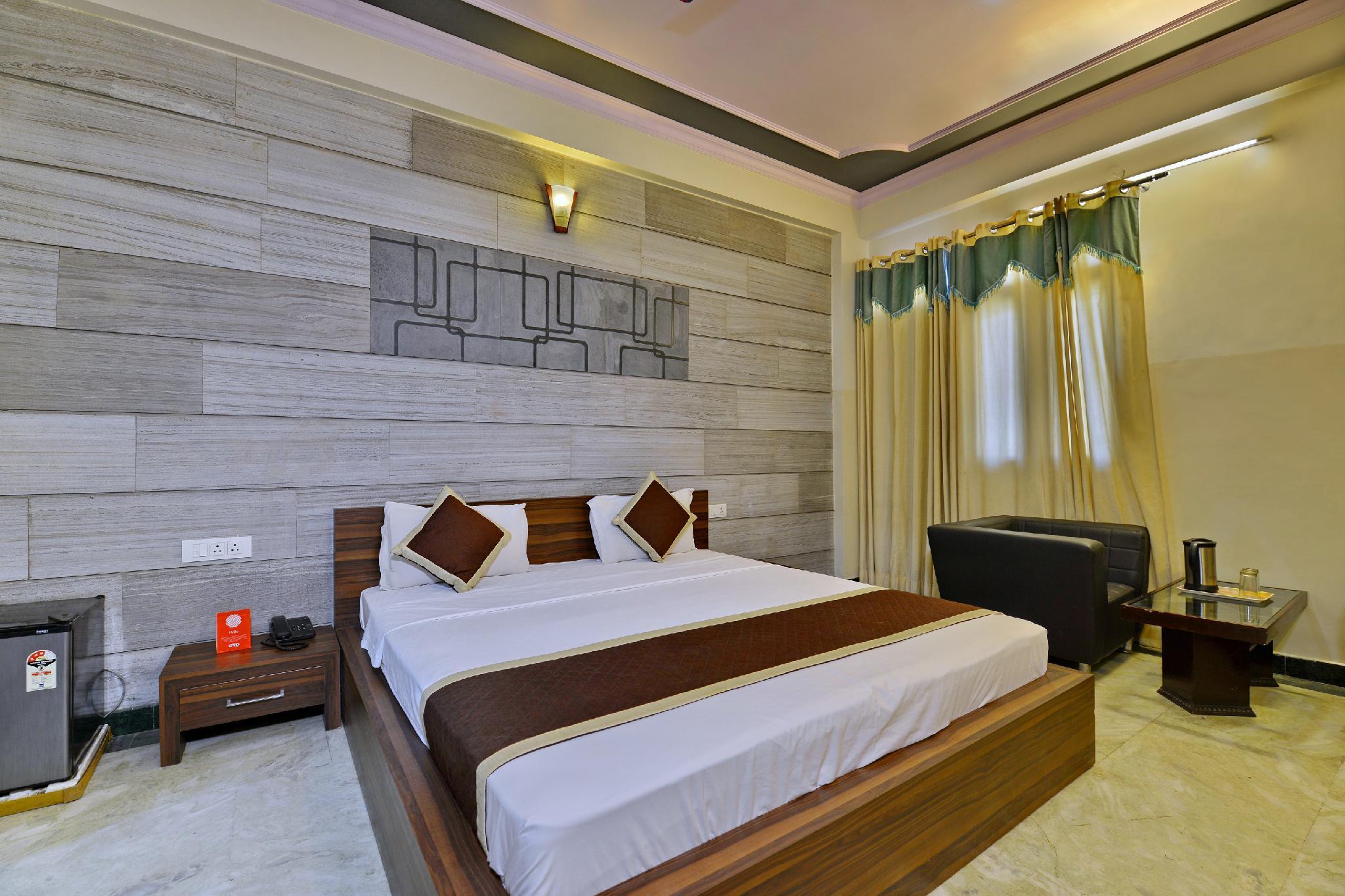 OYO 352 Hotel DRS 8586 Haveli