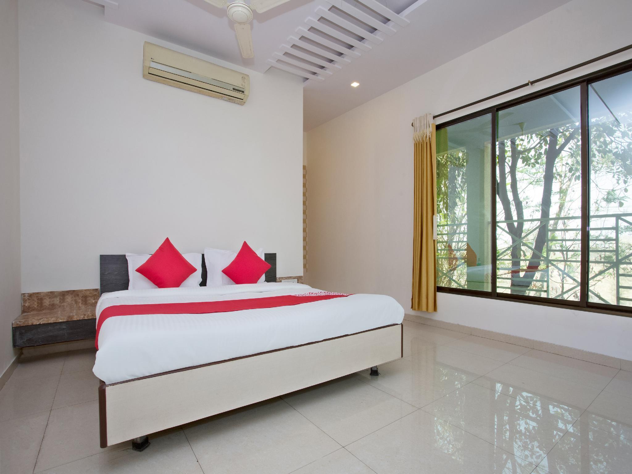 OYO 28363 Hotel Sai Icon Residency