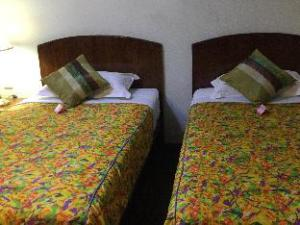 水晶宫酒店 (Crystal Palace Hotel)