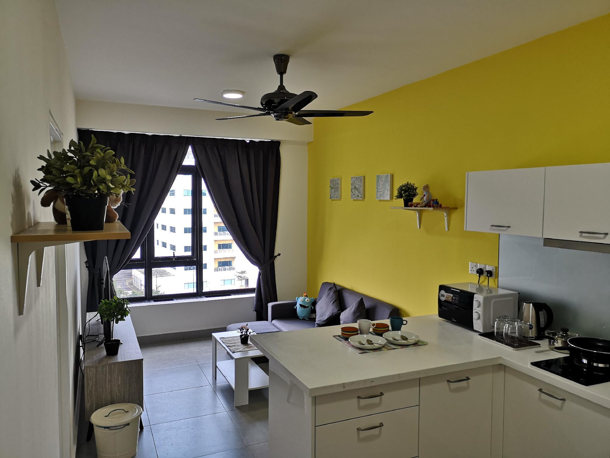Cozy Home 2 *Free WiFi* Skypool* Gym*Cyberjaya
