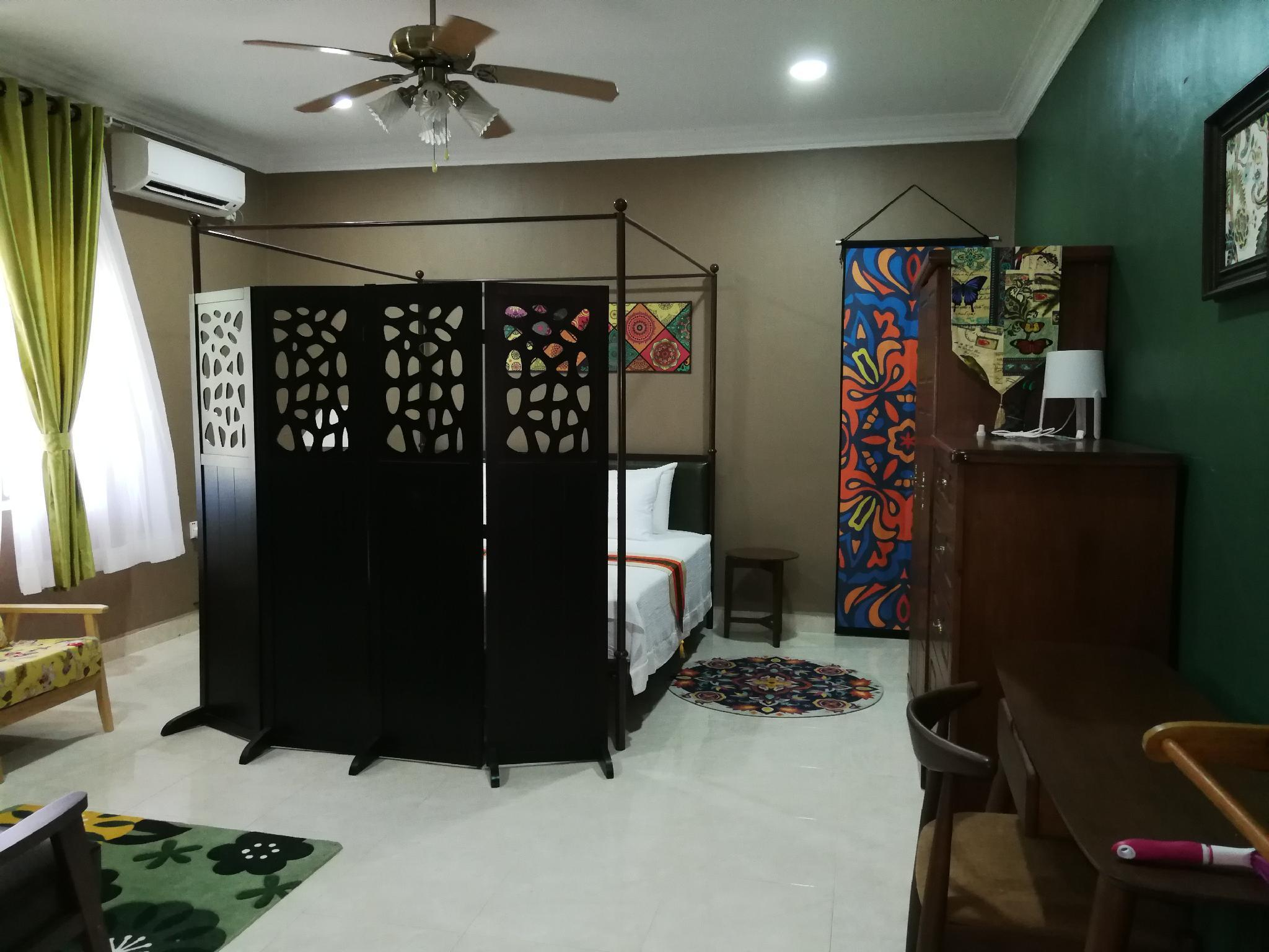 My Excel Garden   Country Nyonya Suite