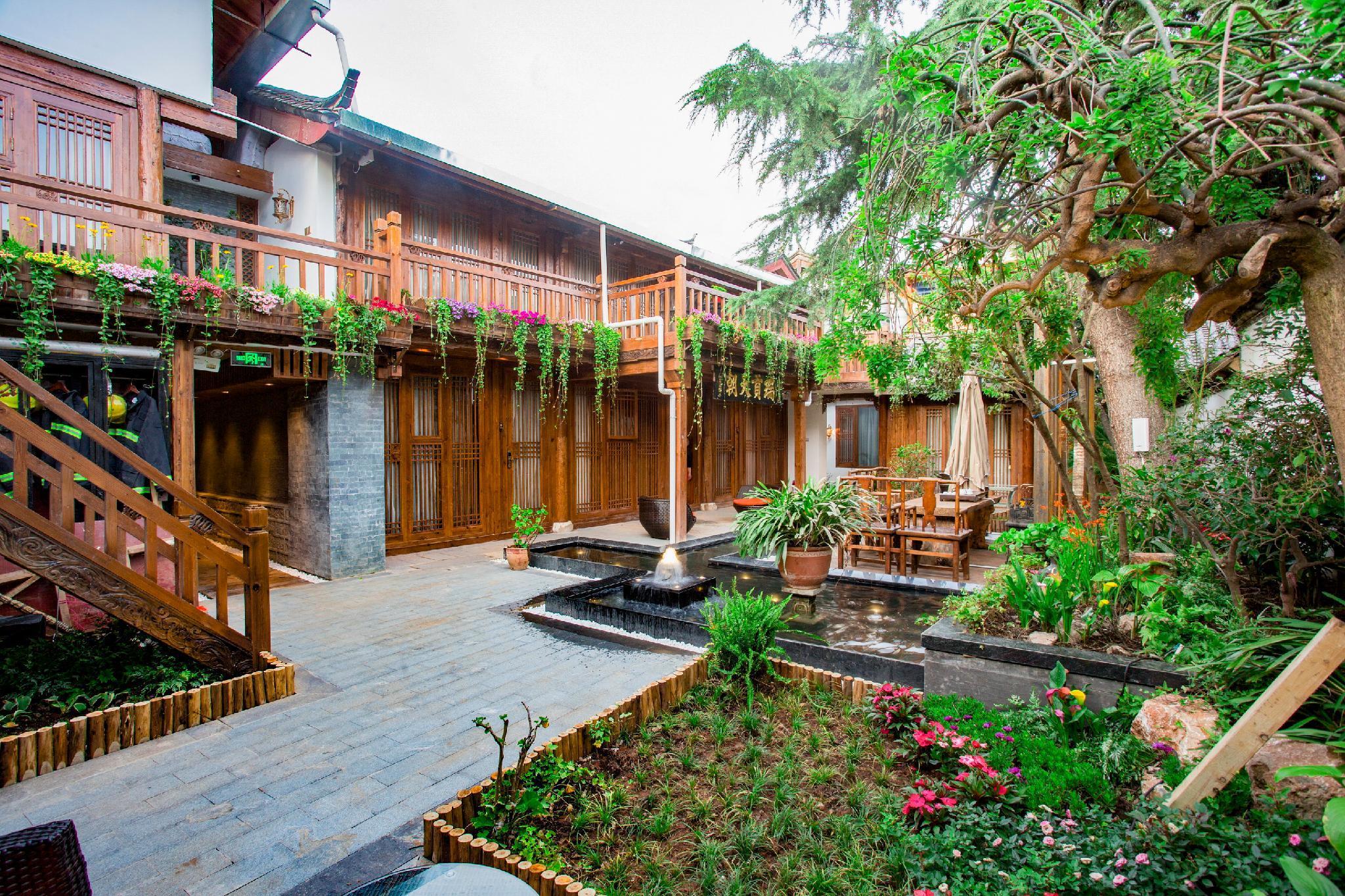 Lijiang First Bay Hotel