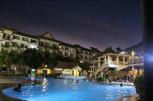 picture 1 of ONE OASIS A2   FREE POOL  AT BACK OF SM MALL DAVAO