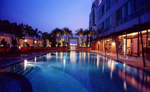 Super Luxury Top View 2 BR @ Sathorn 5mins to BTS Bangkok