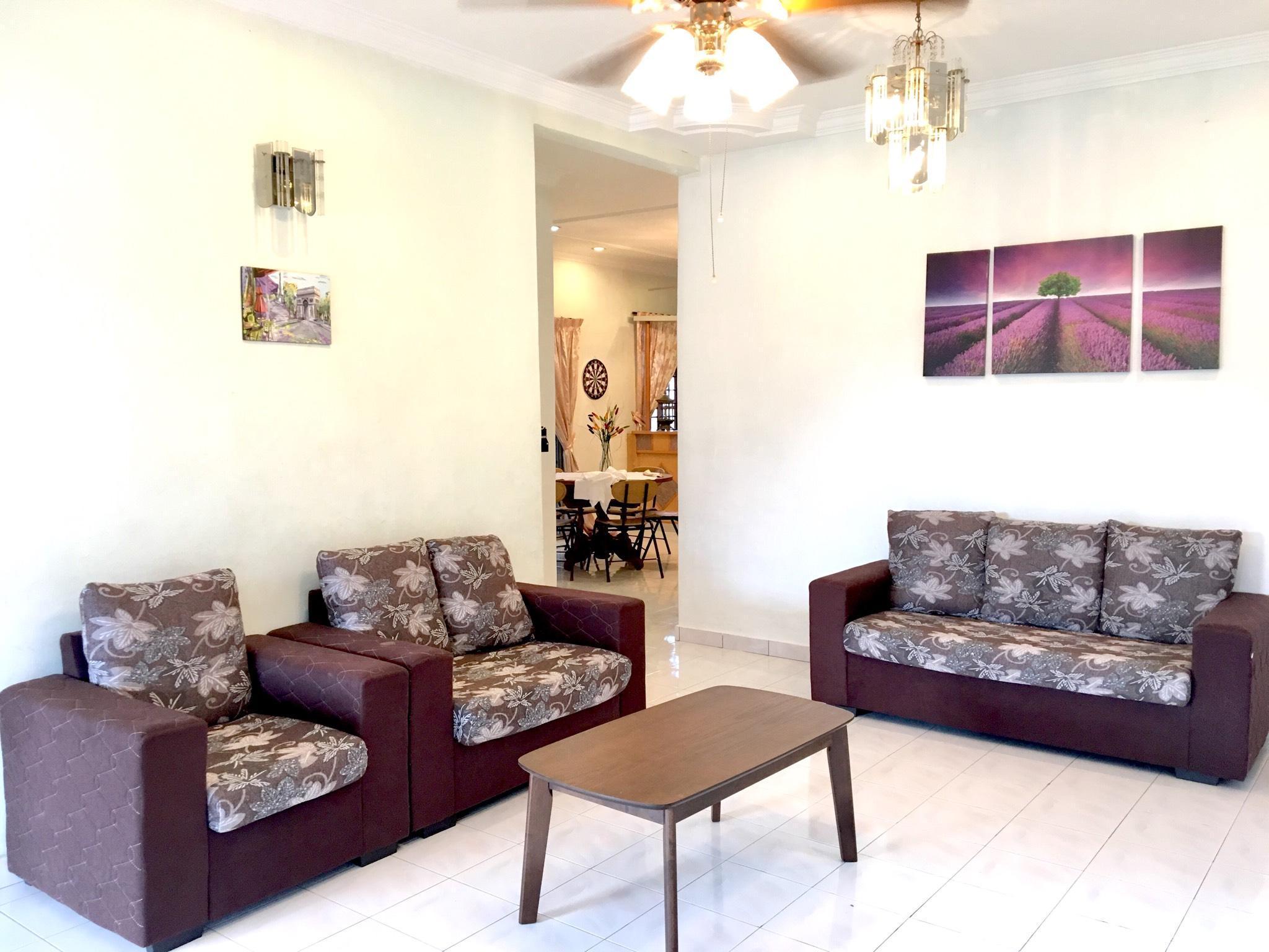 Ipoh Ampang Bungalow Suites  12 Pax