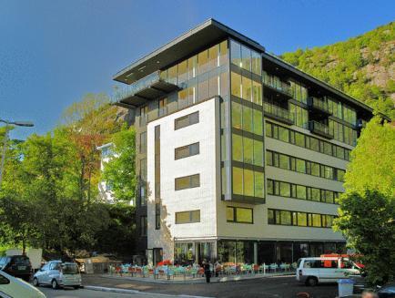 Stoltzen Hotel And Apartments