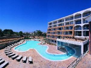 เปสทาน่า ออลวอร์ พาร์ค โฮเต็ล อพาร์ทาเม็นโต (Pestana Alvor Park Hotel Apartamento)