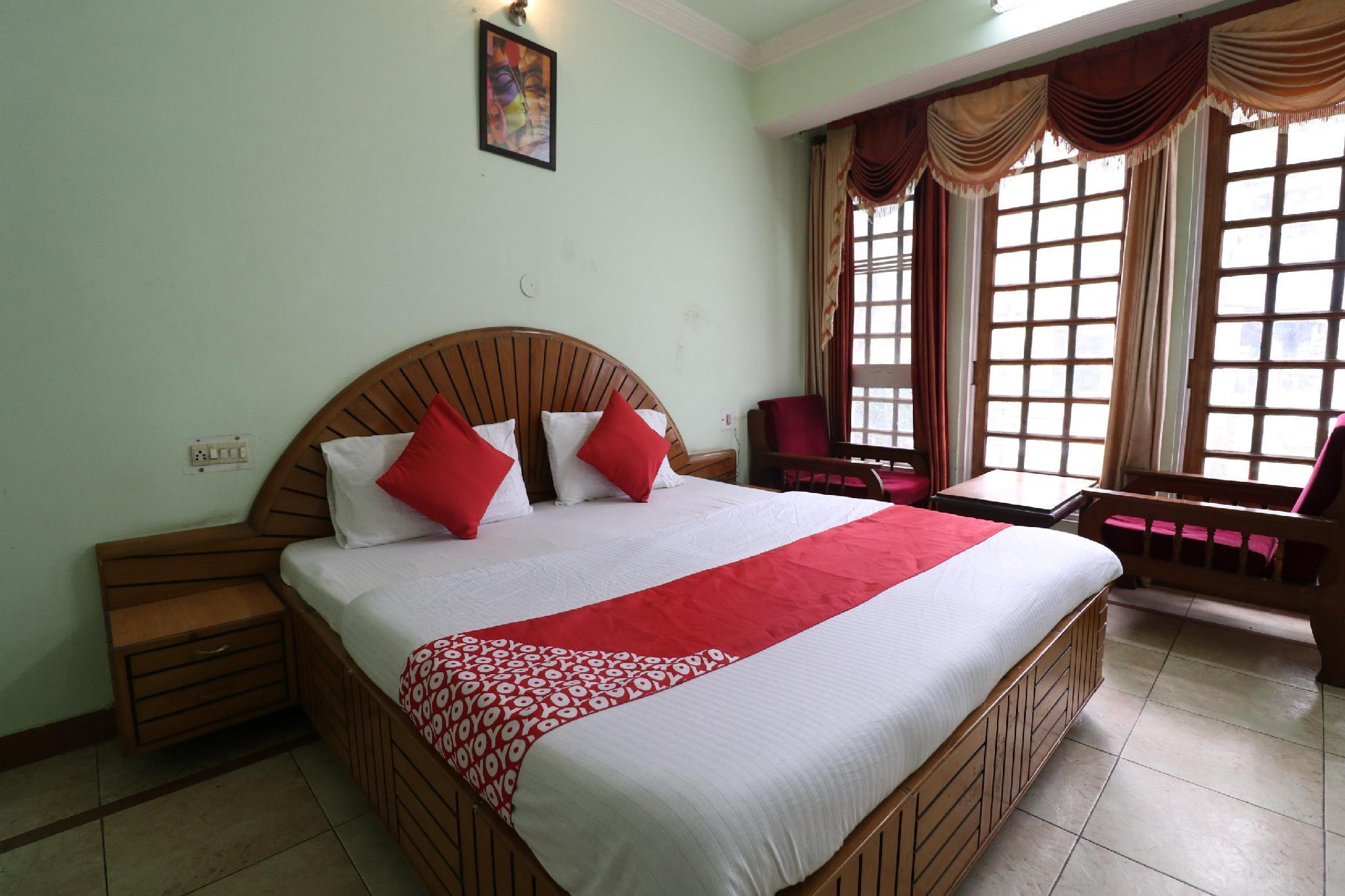 OYO 26142 Hotel Royal Dream