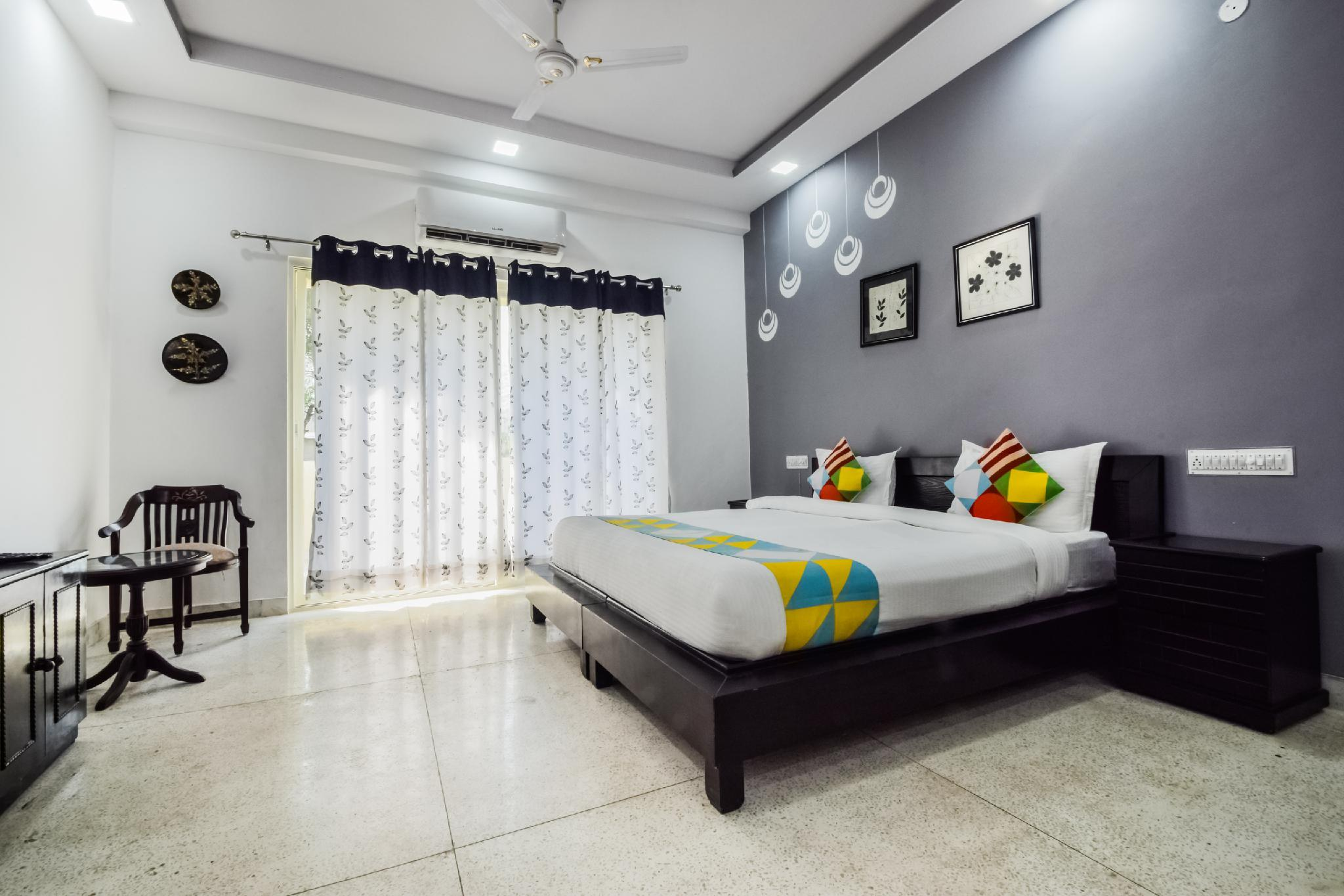 OYO 14649 Classic Hill View Stay