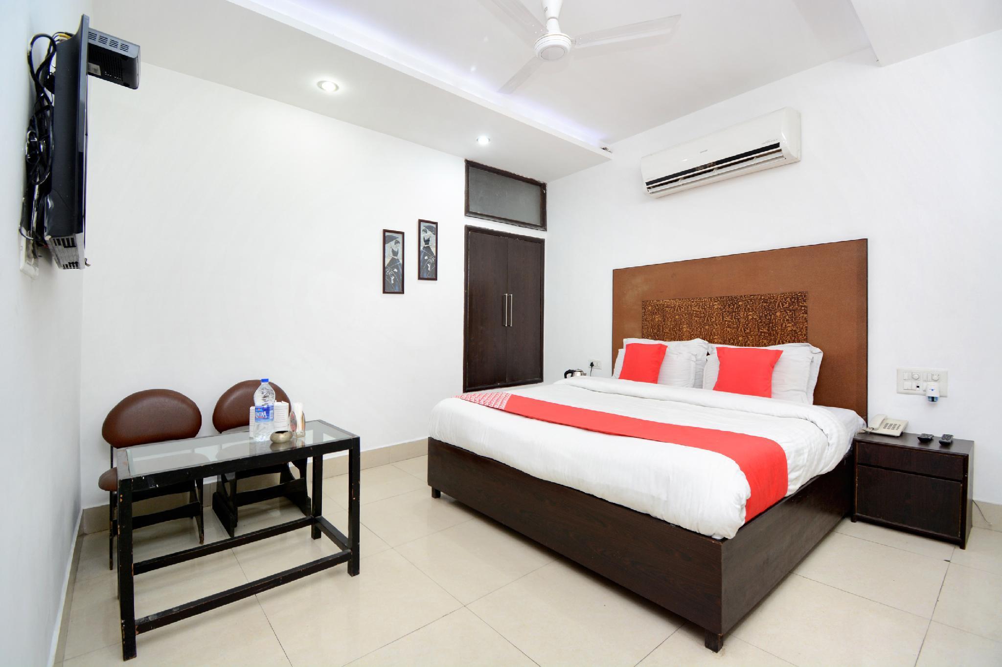 OYO 36202 Hotel Shohrat