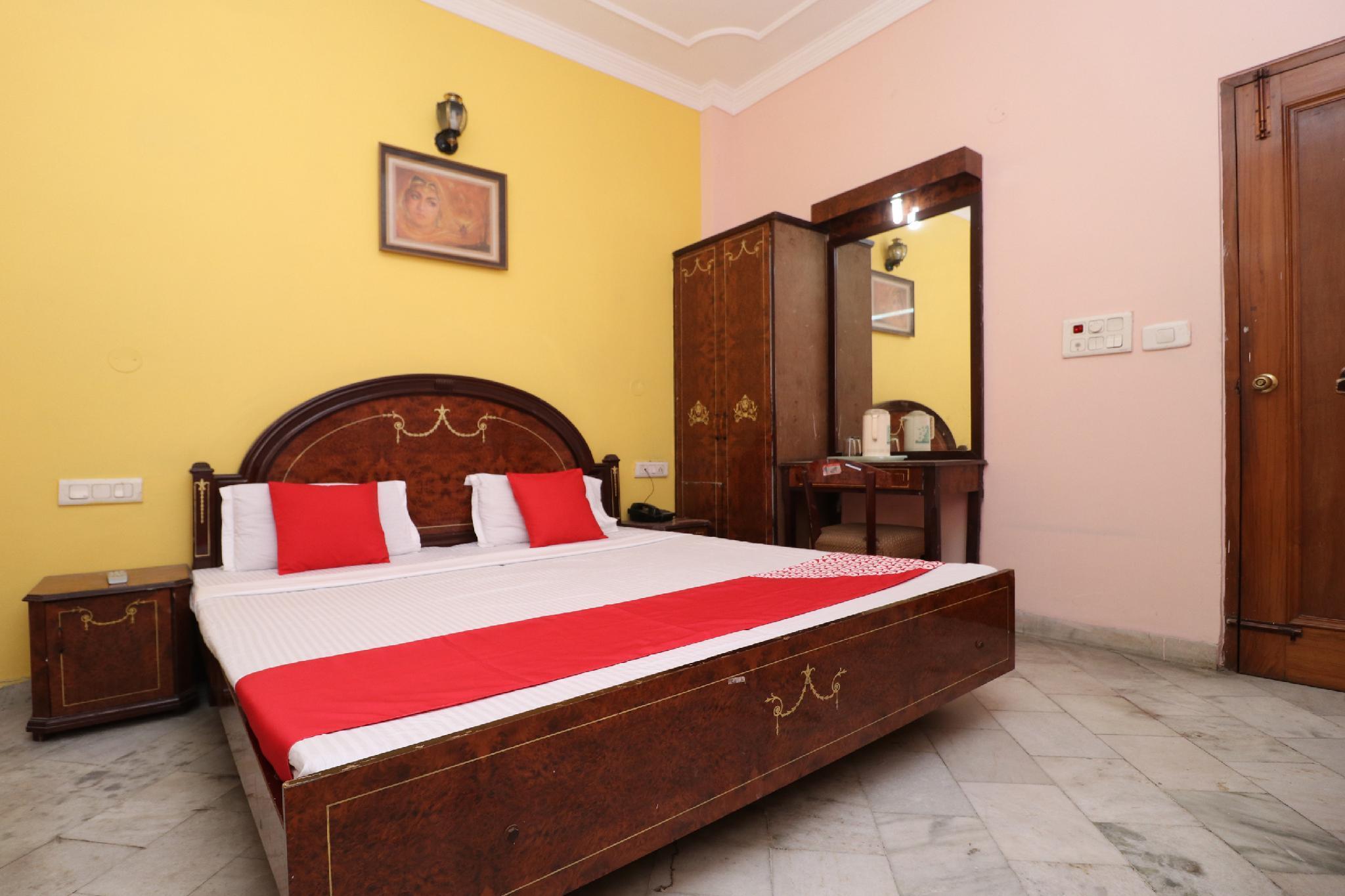 OYO 35965 Kishore Castle