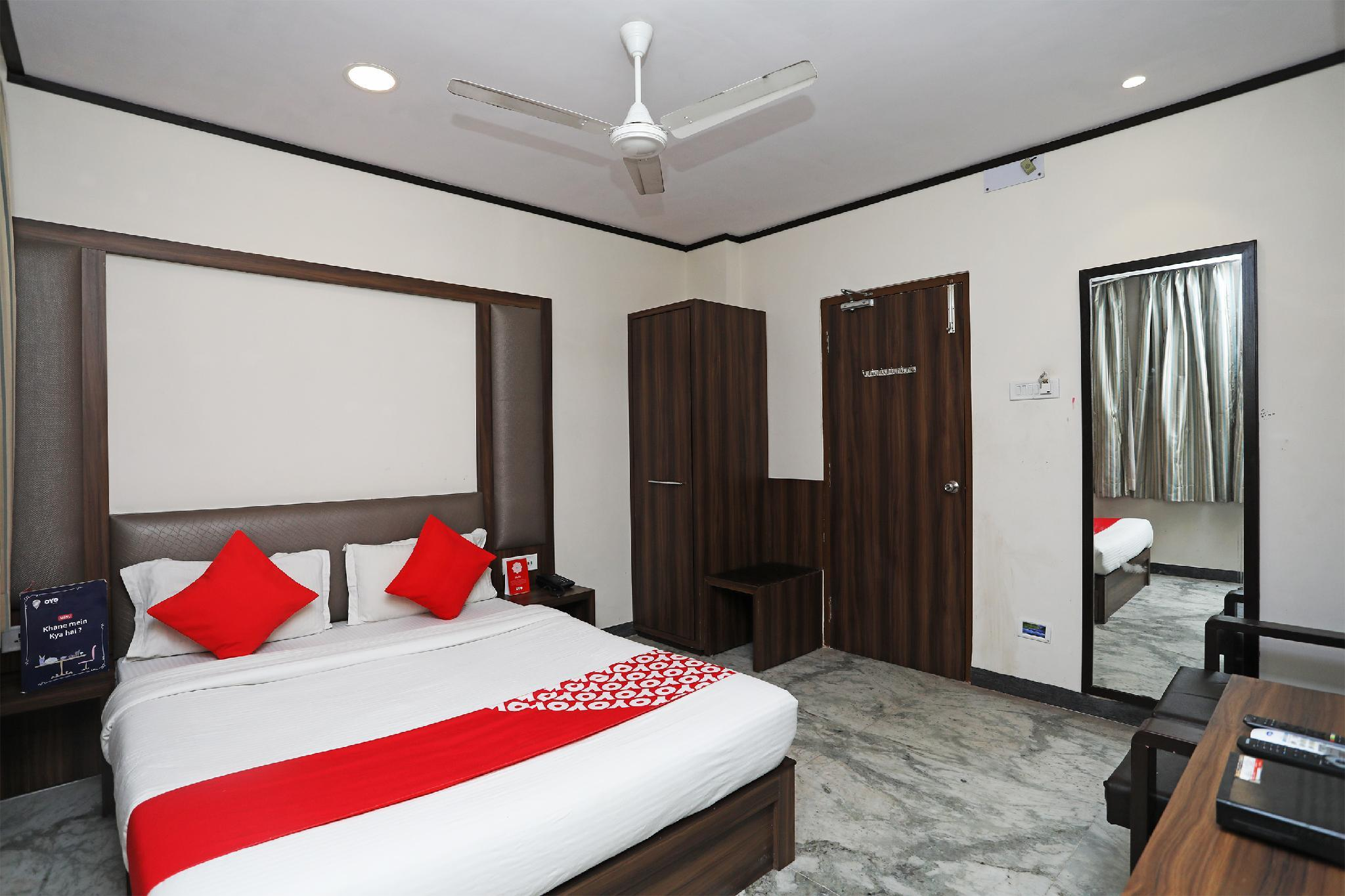 OYO 15966 Hotel Shivam
