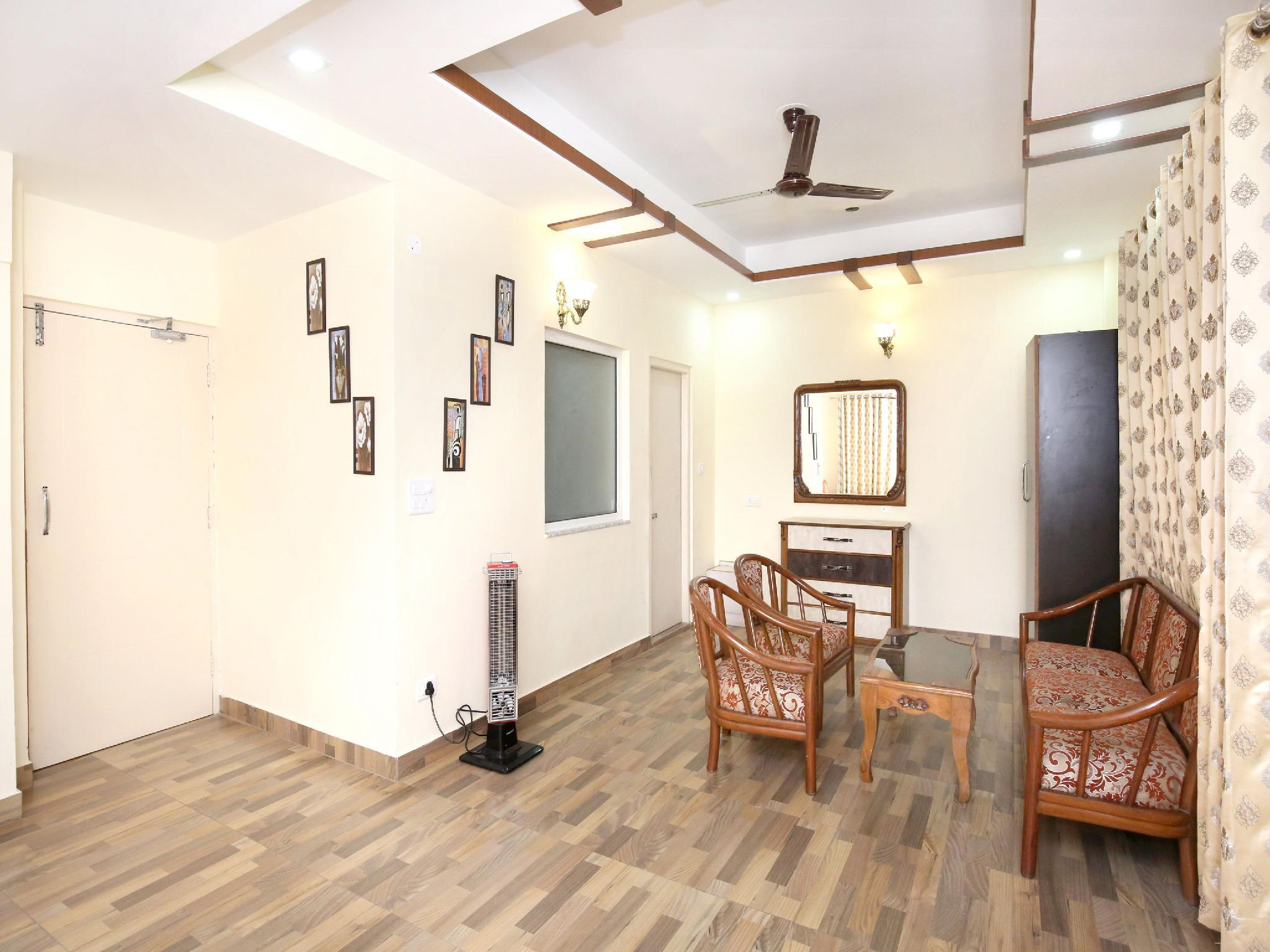 OYO 12187 Luxury Studio