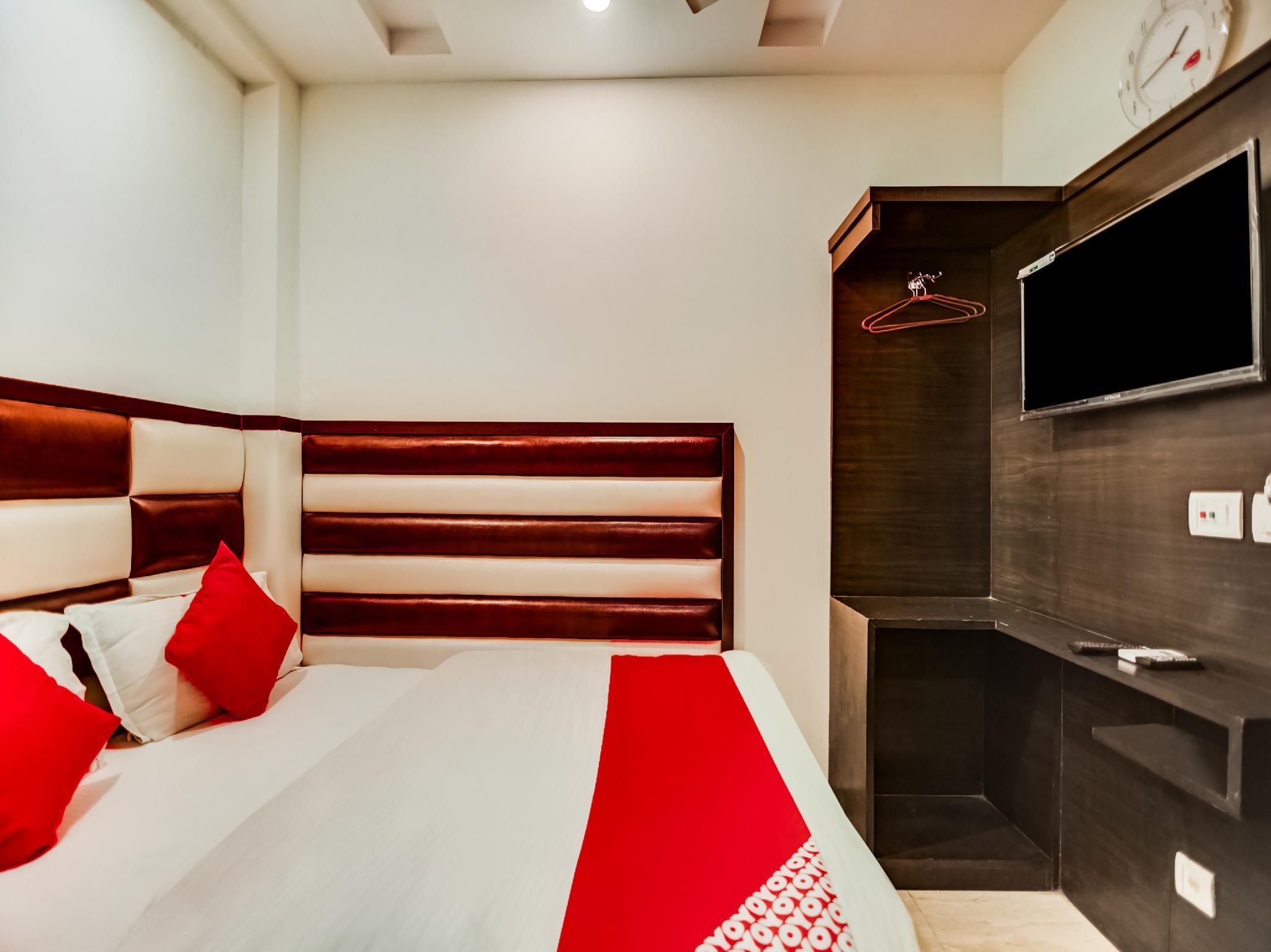 OYO 36112 Hotel Ruhaan