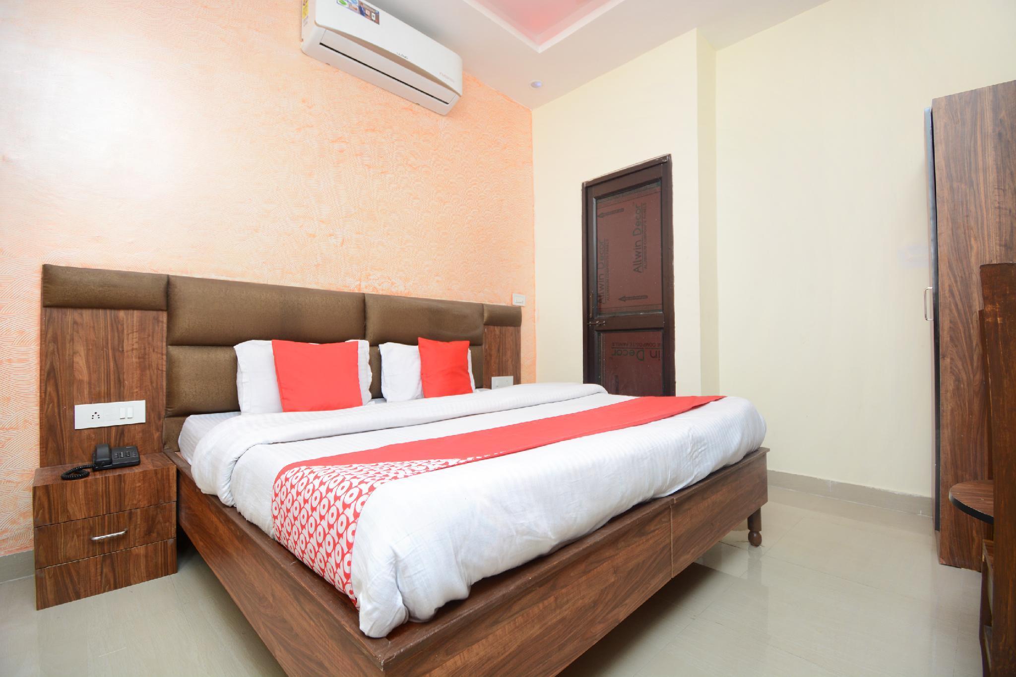 OYO 30743 Hotel Himalayan