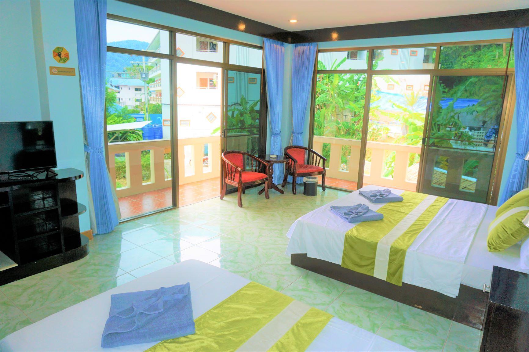 DS Villa Family Room With Double Balcony 90