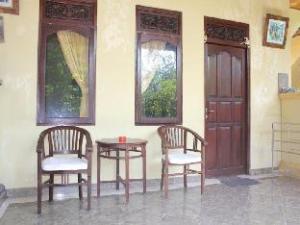 苏瓦尔平房 (Suwar Bungalow)
