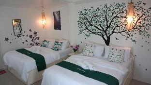 picture 2 of Cocotel Room Cronin Inn