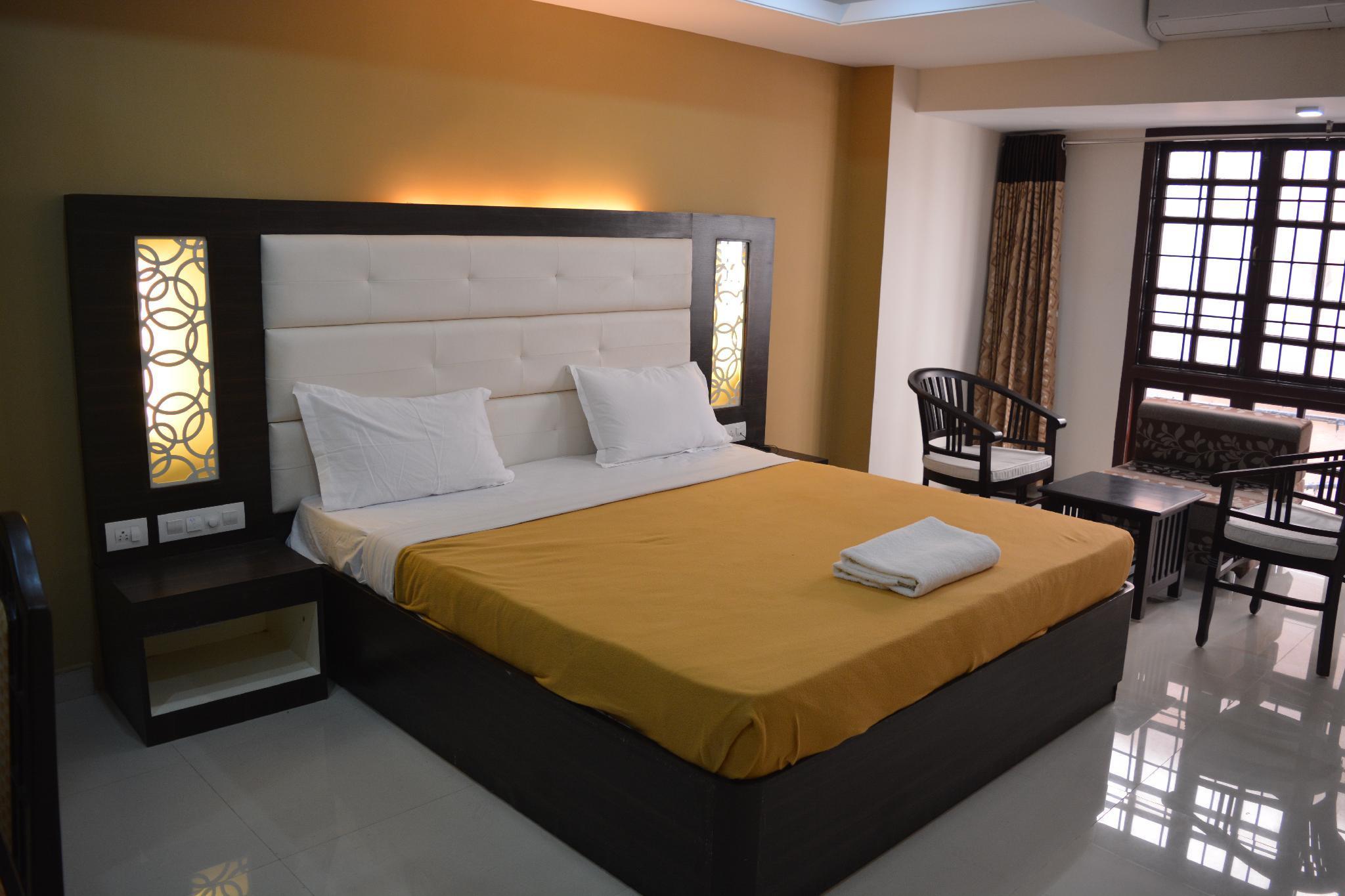 Guru Inn By Omatra