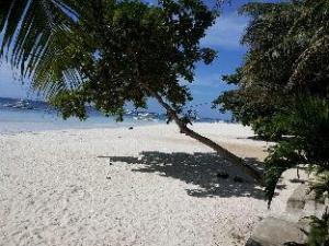 Alona Tropical Beach Resort