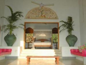 コンバ ビーチ ハウス (Khomba Beach House)