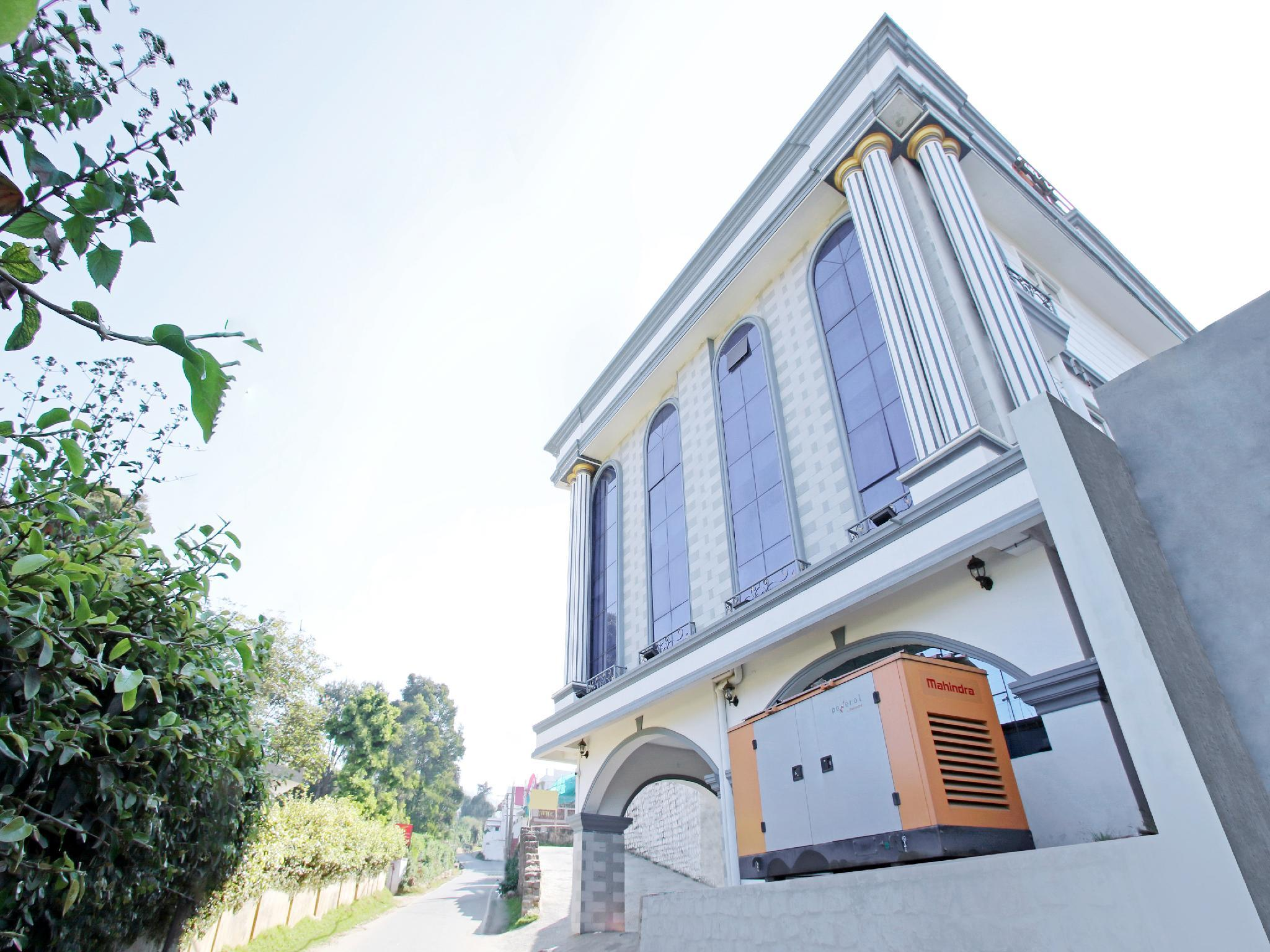 OYO  30138 Elegant Vasantham Studio Apartment