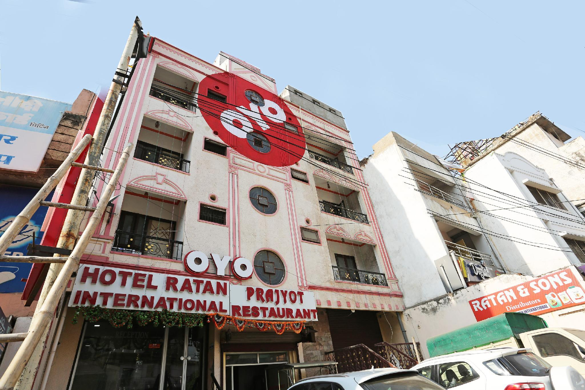 OYO 12363 Hotel Ratan International