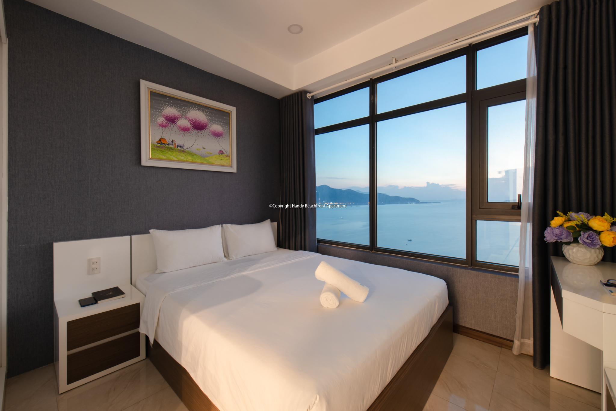 8. 3 BEDROOM OCEAN VIEW   BALCONY By Handybeach