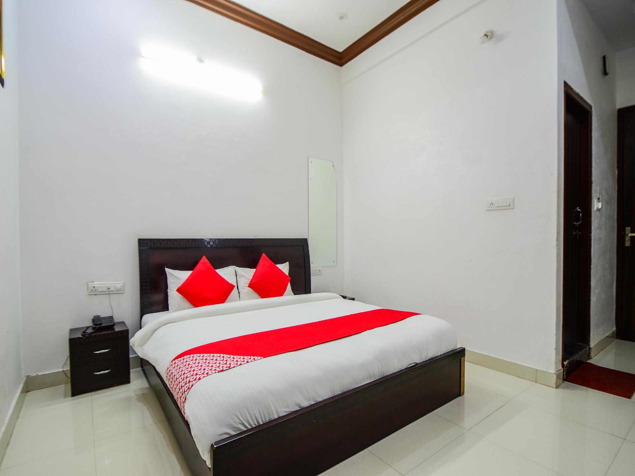 OYO 36626 Eden Residency