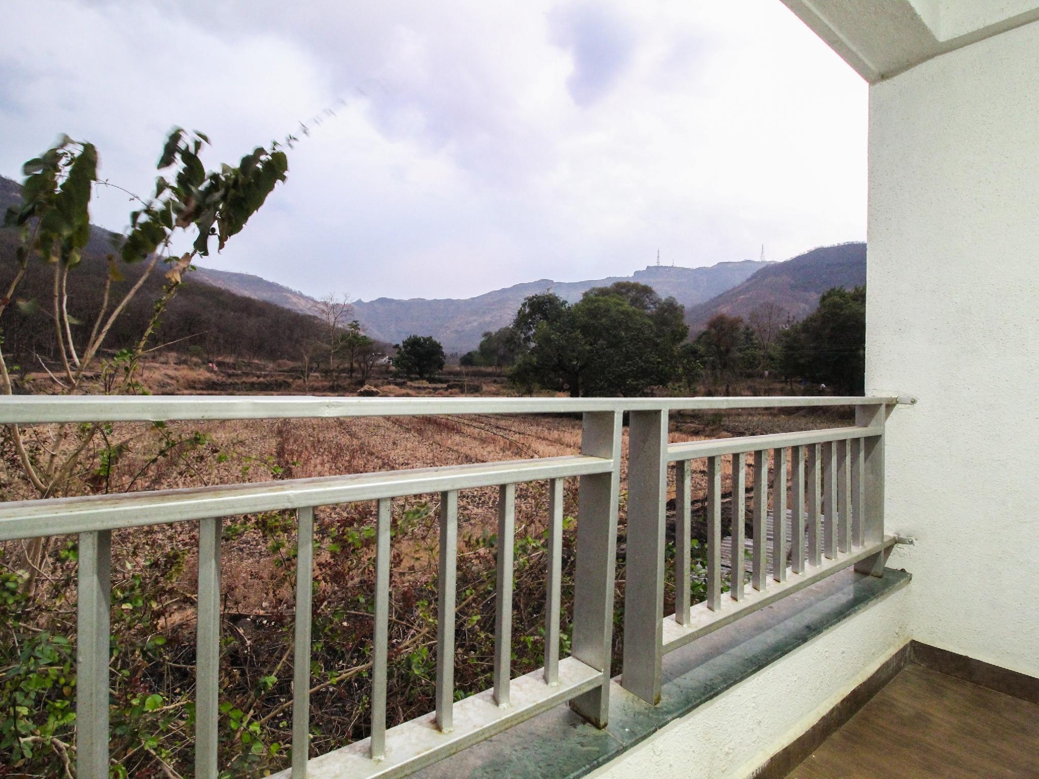 OYO 36896 Sanvi Resort