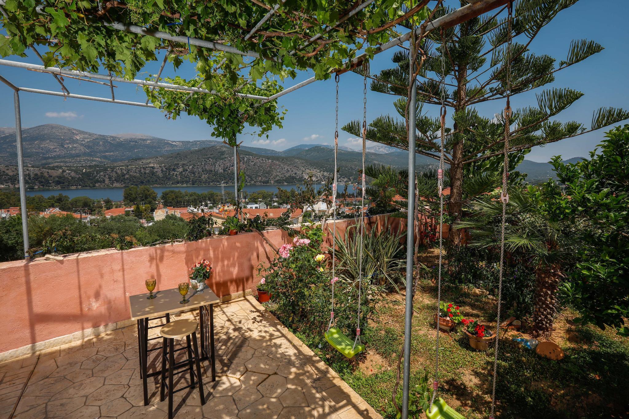 Elisso Apartment With Seaview Garden