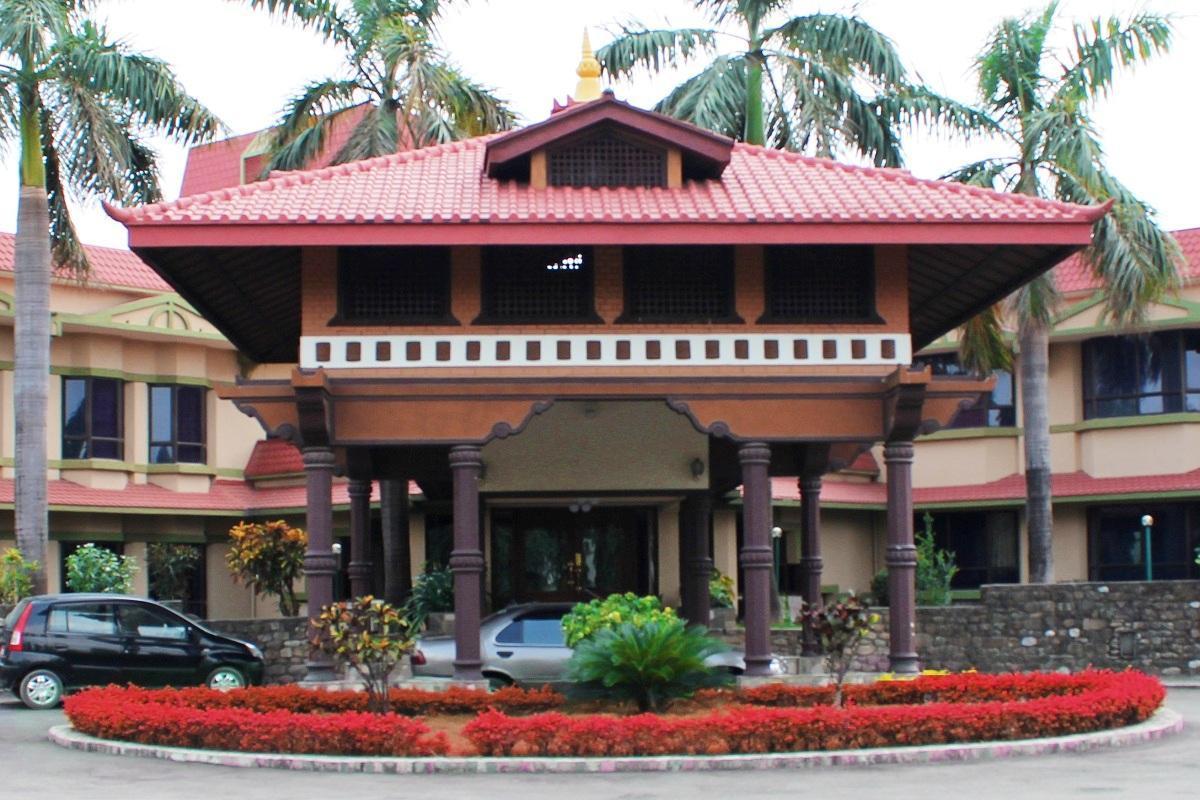 Hotel Nirvana Luxury International