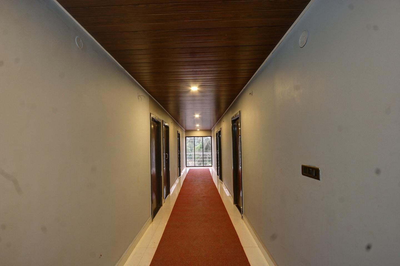 OYO 35558 Mallya Residency