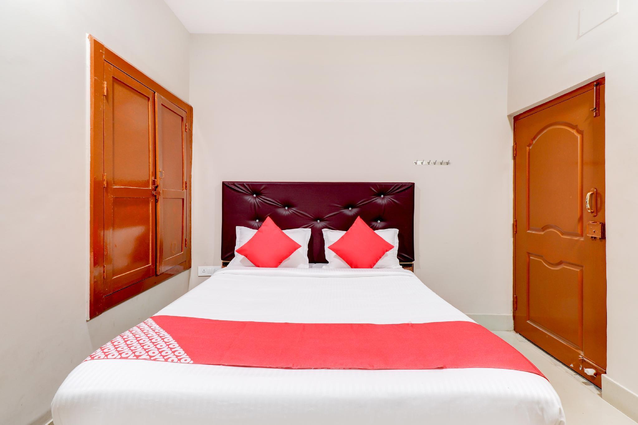 OYO 36494 Hotel Reddy Inn