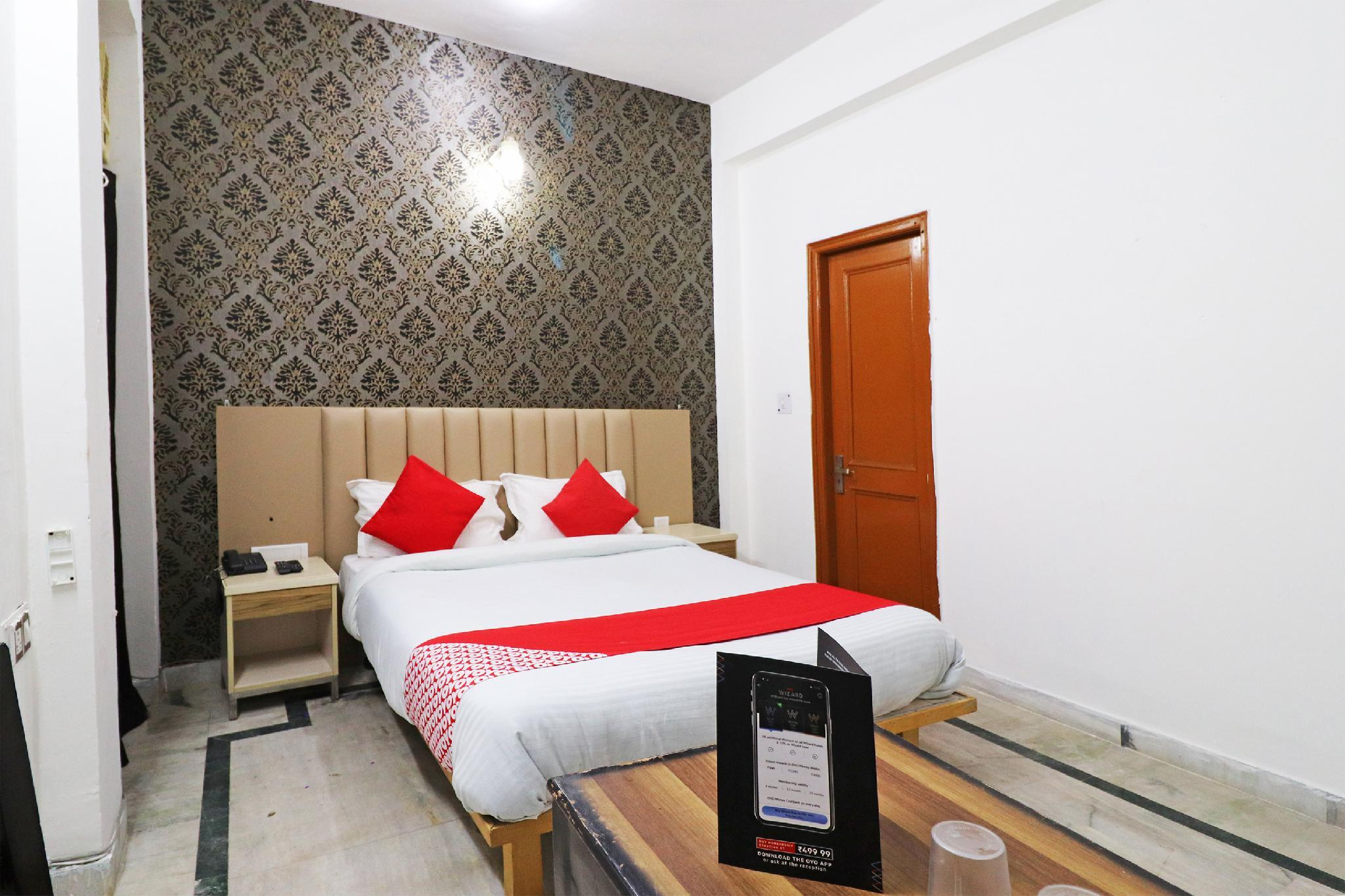 OYO 37801 Hotel Paradise
