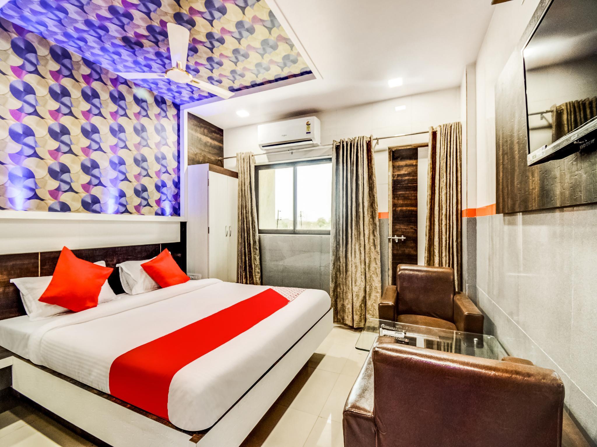 OYO 38696 Hotel Manali Palace
