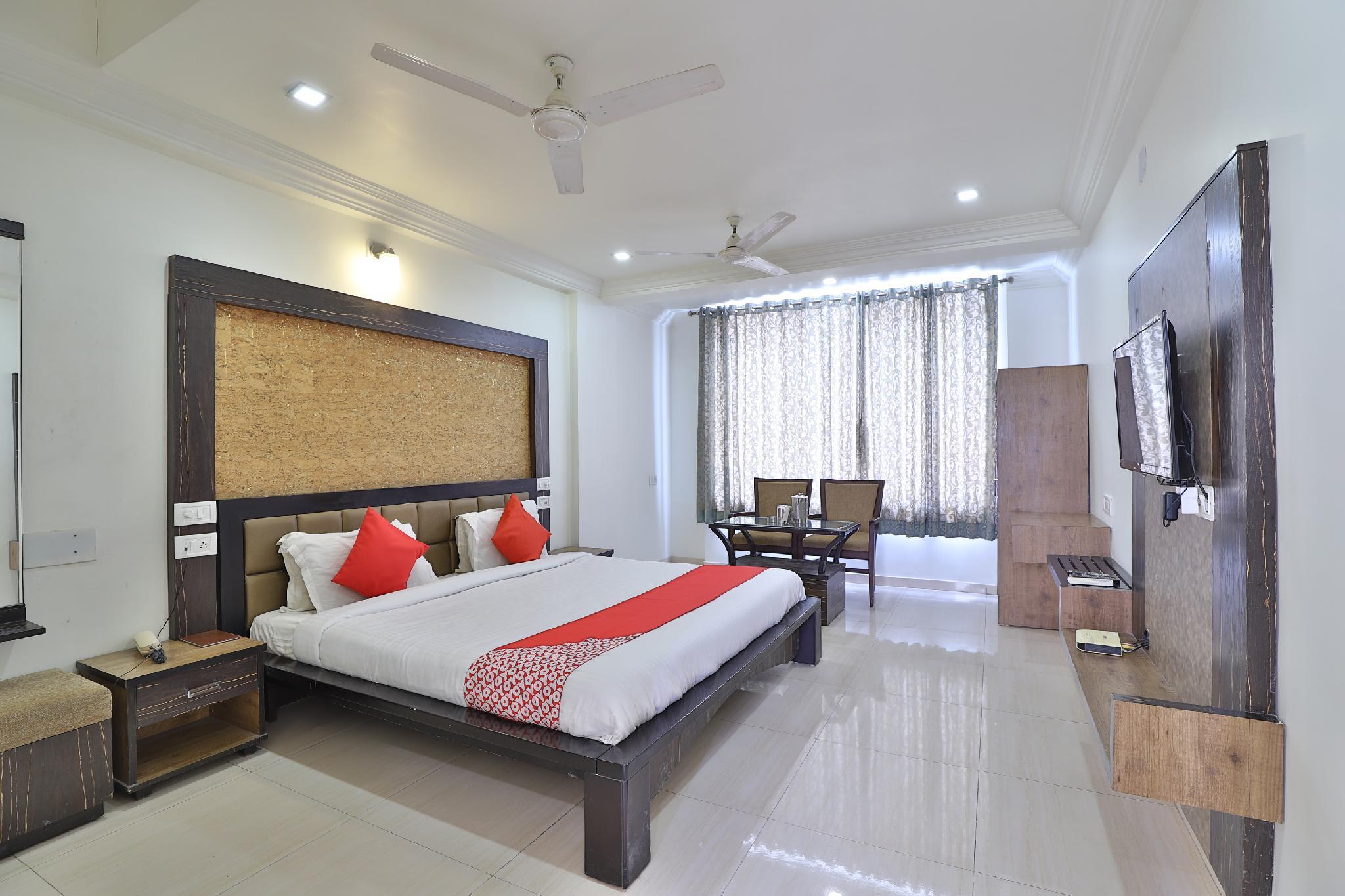 OYO 35376 Hotel Gangotri