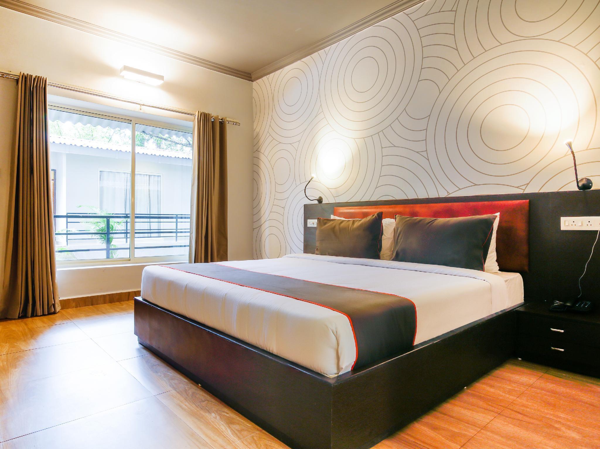 Collection O Premium 267 Morjim Grand Inn
