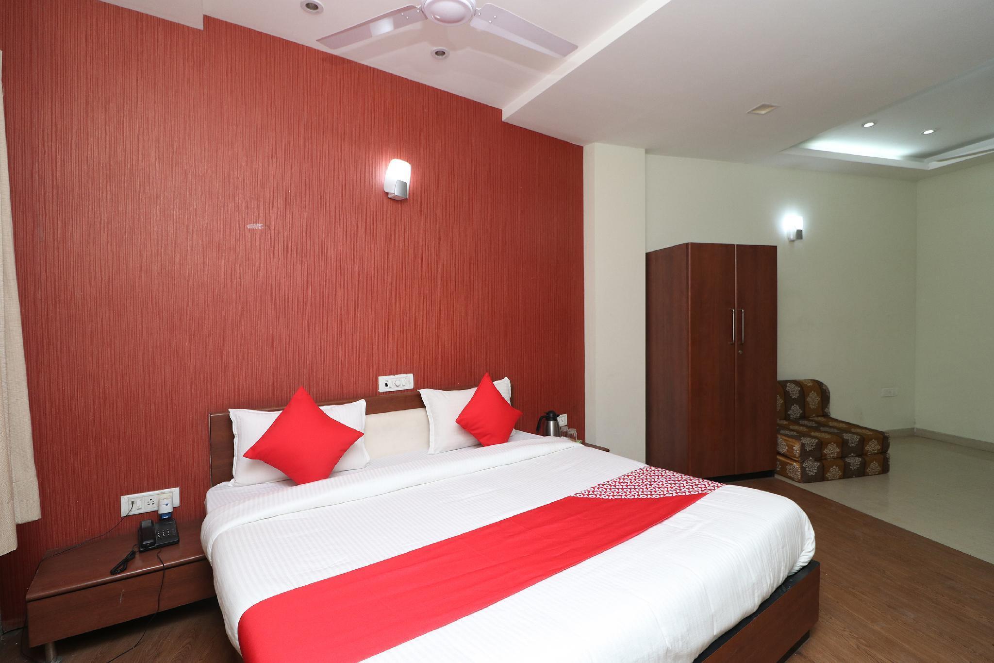 OYO 36642 Hotel Gaurav