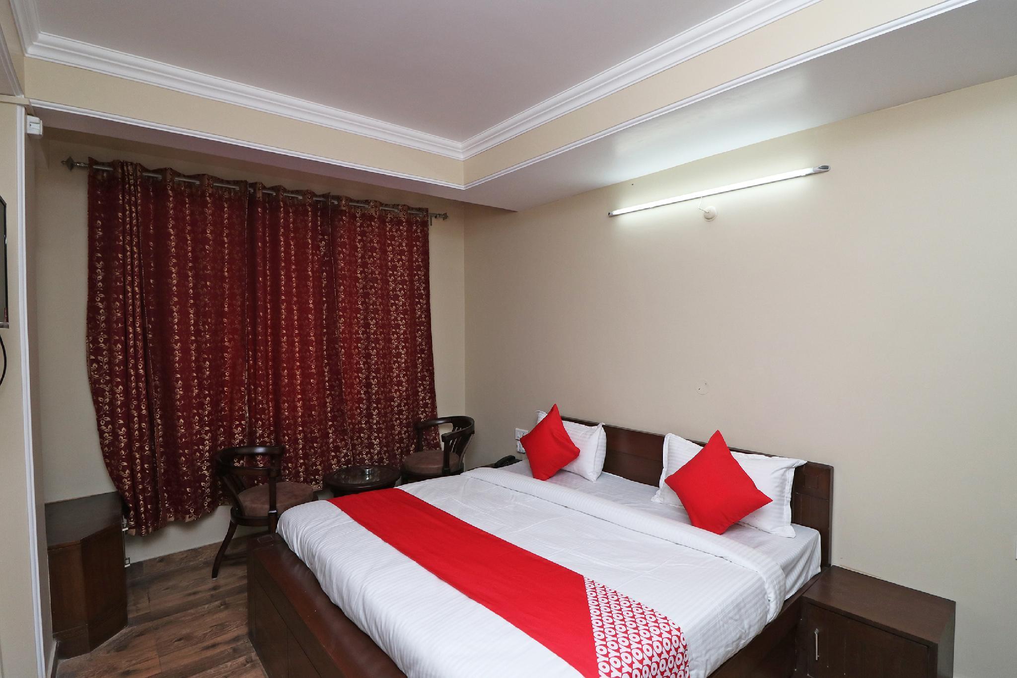 OYO 37261 Shirdi Sai Residency