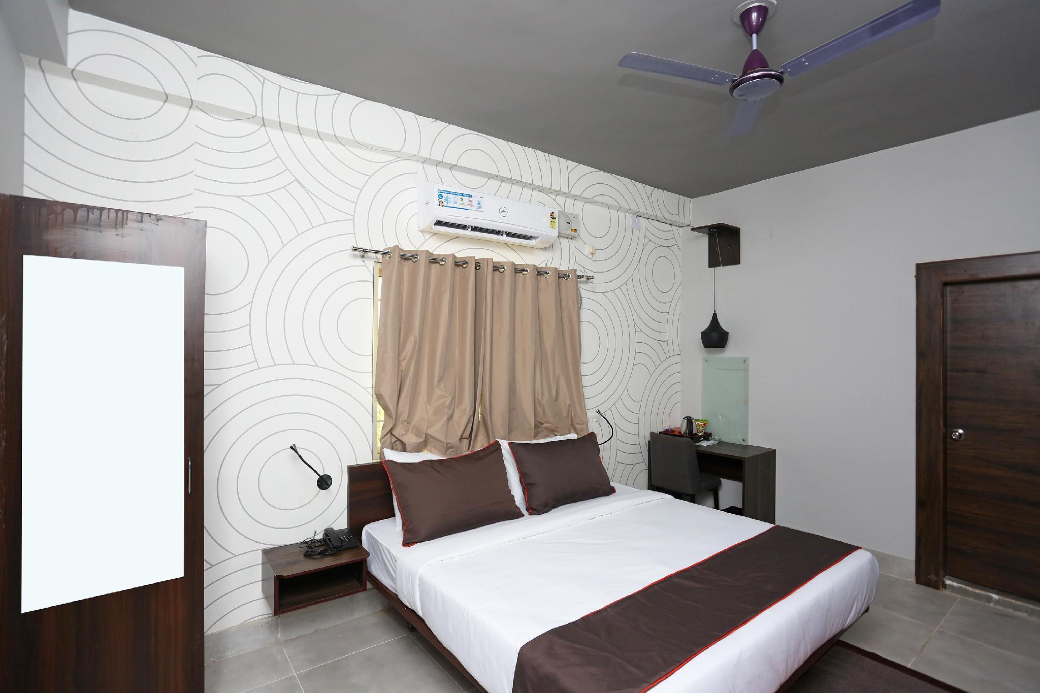 Collection O 19529 Hotel Bhinna Sakala