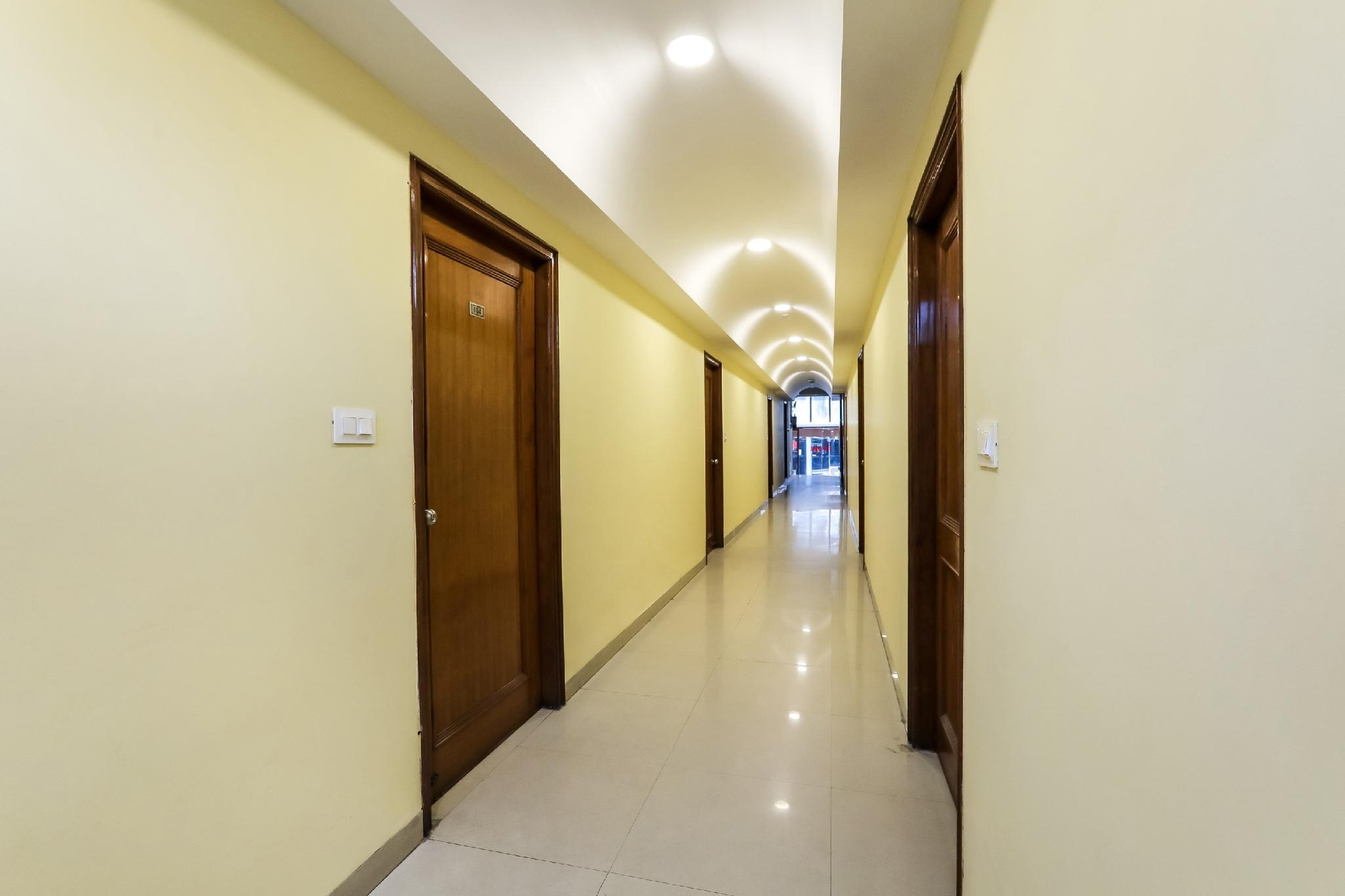 OYO Flagship 37428 Hotel Jay Vee Continental