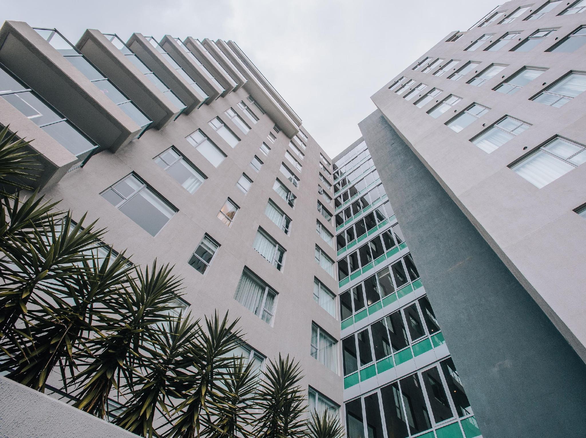 Newcastle Central Plaza Hotel