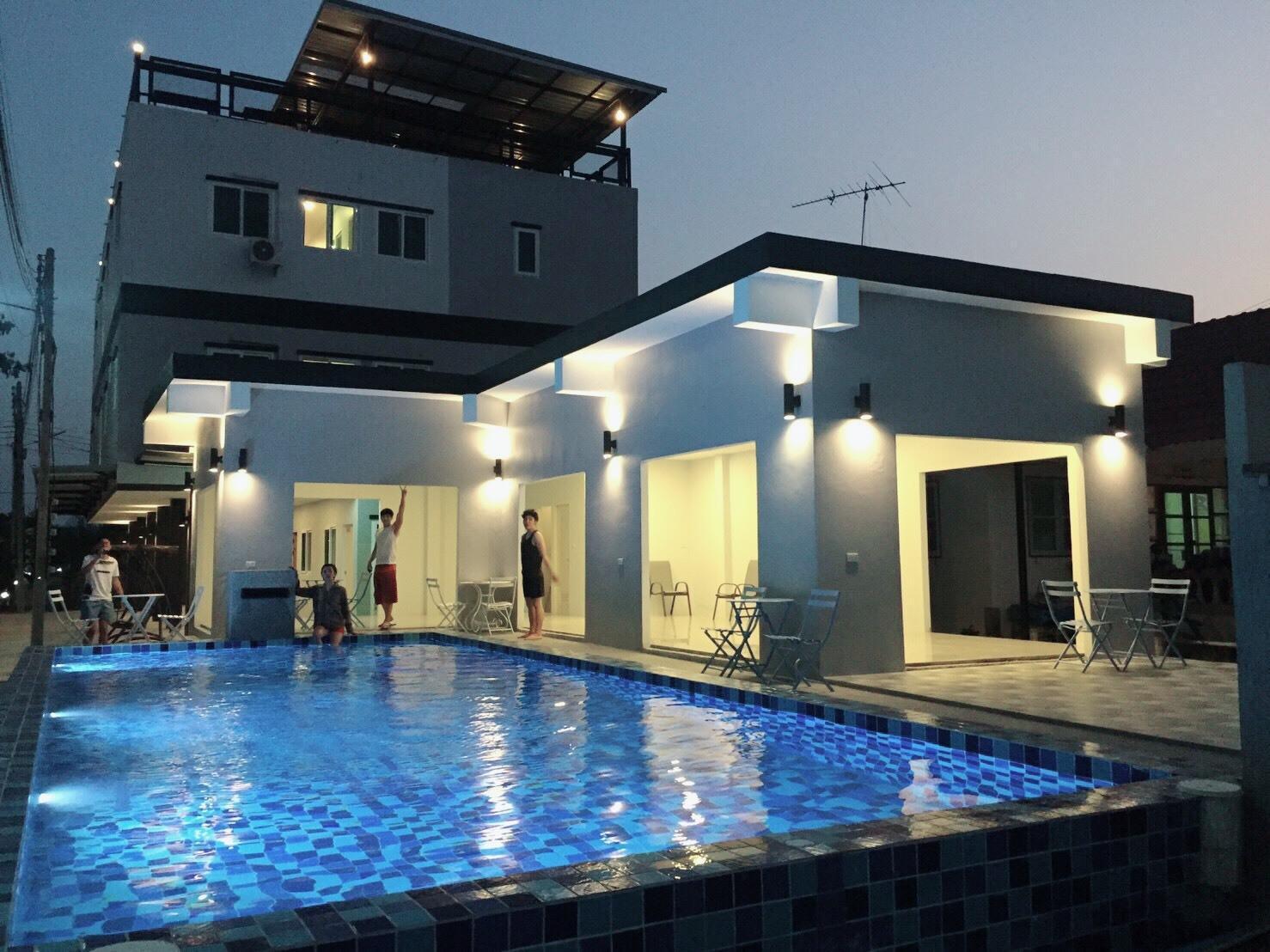 Rim Nam Riva Resort