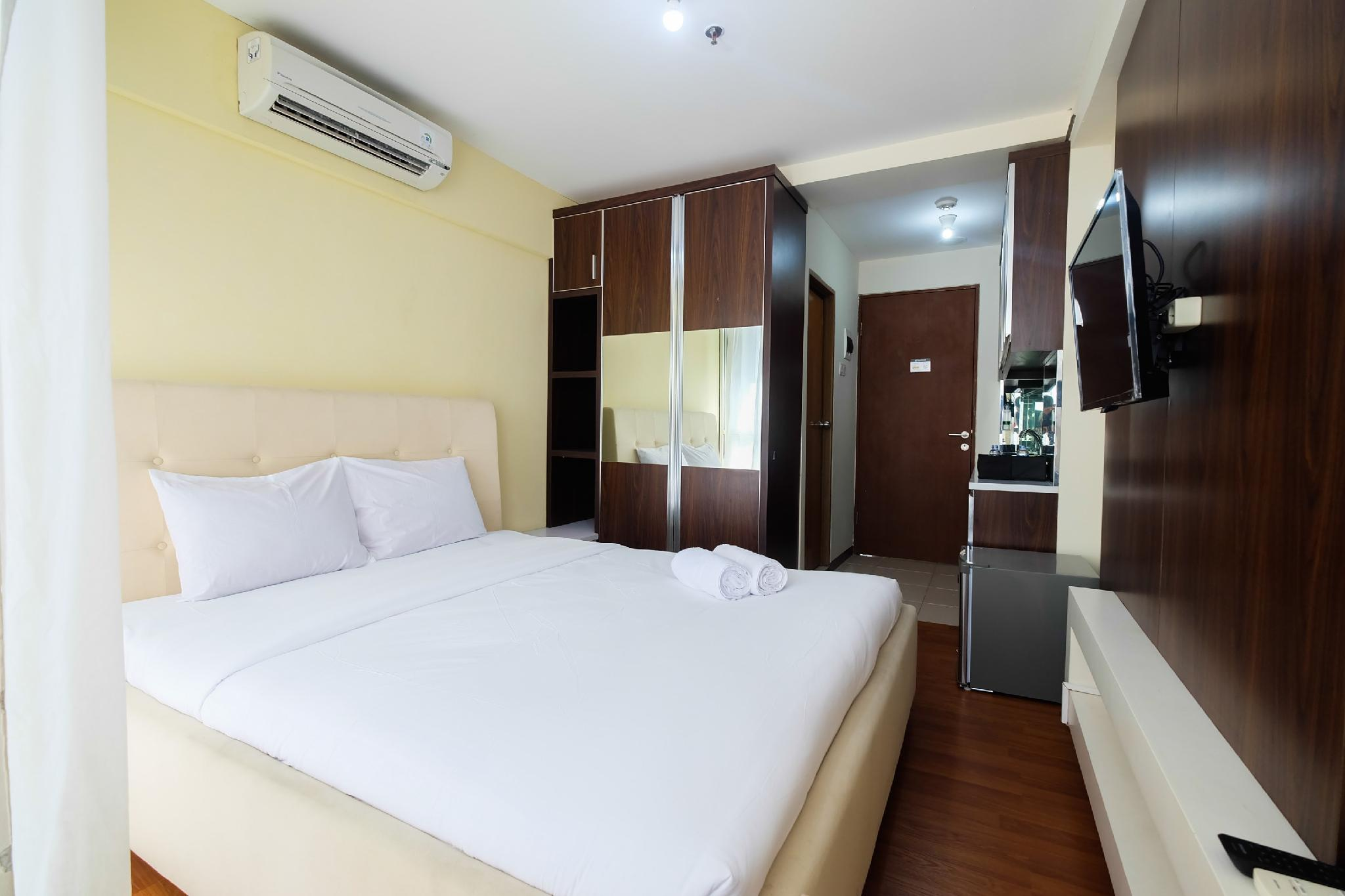 Comfy Studio Tifolia Apartment By Travelio